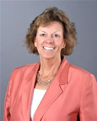 Real Estate Agent Linda Kessler with Coldwell Banker Realty