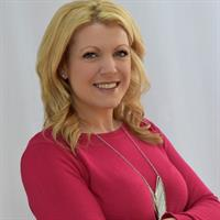 Real Estate Agent Jaimie Andrews with Bottom Line Realty