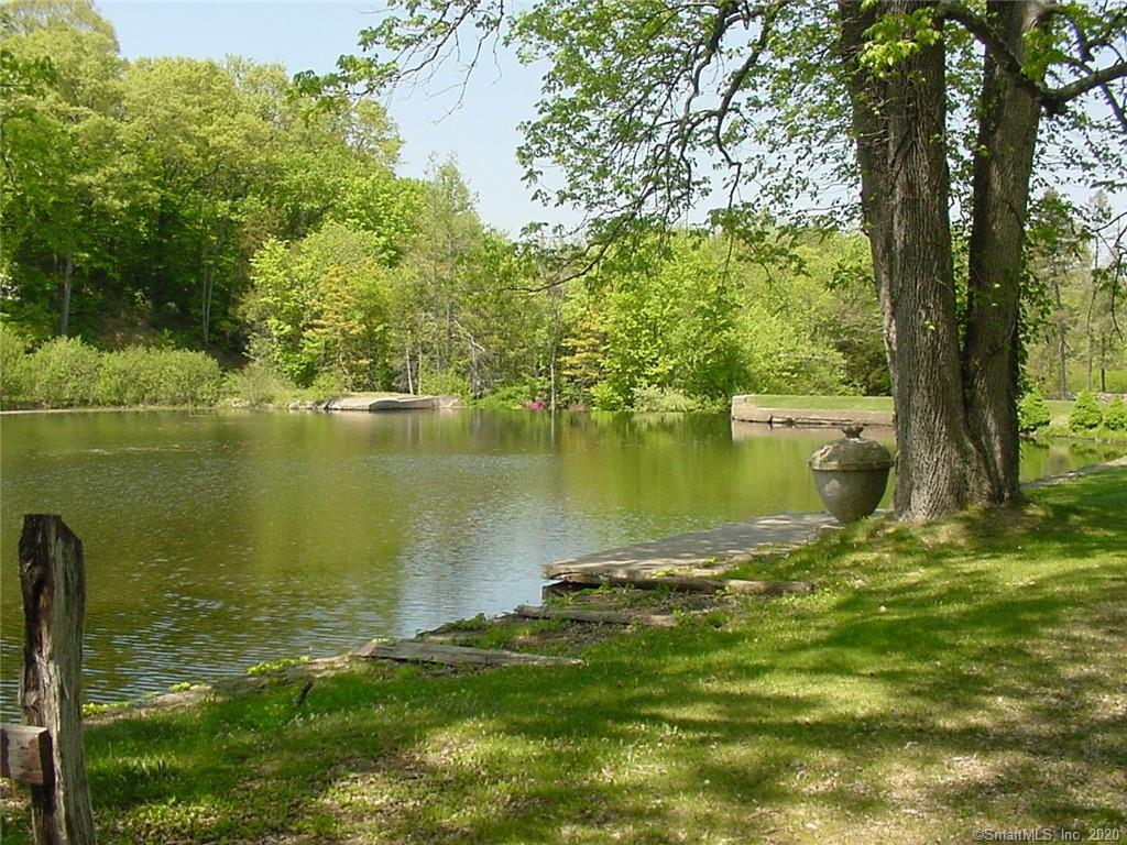 TOP END Properties: Unit # 4 Lake Percival Way, Cheshire, CT 06410